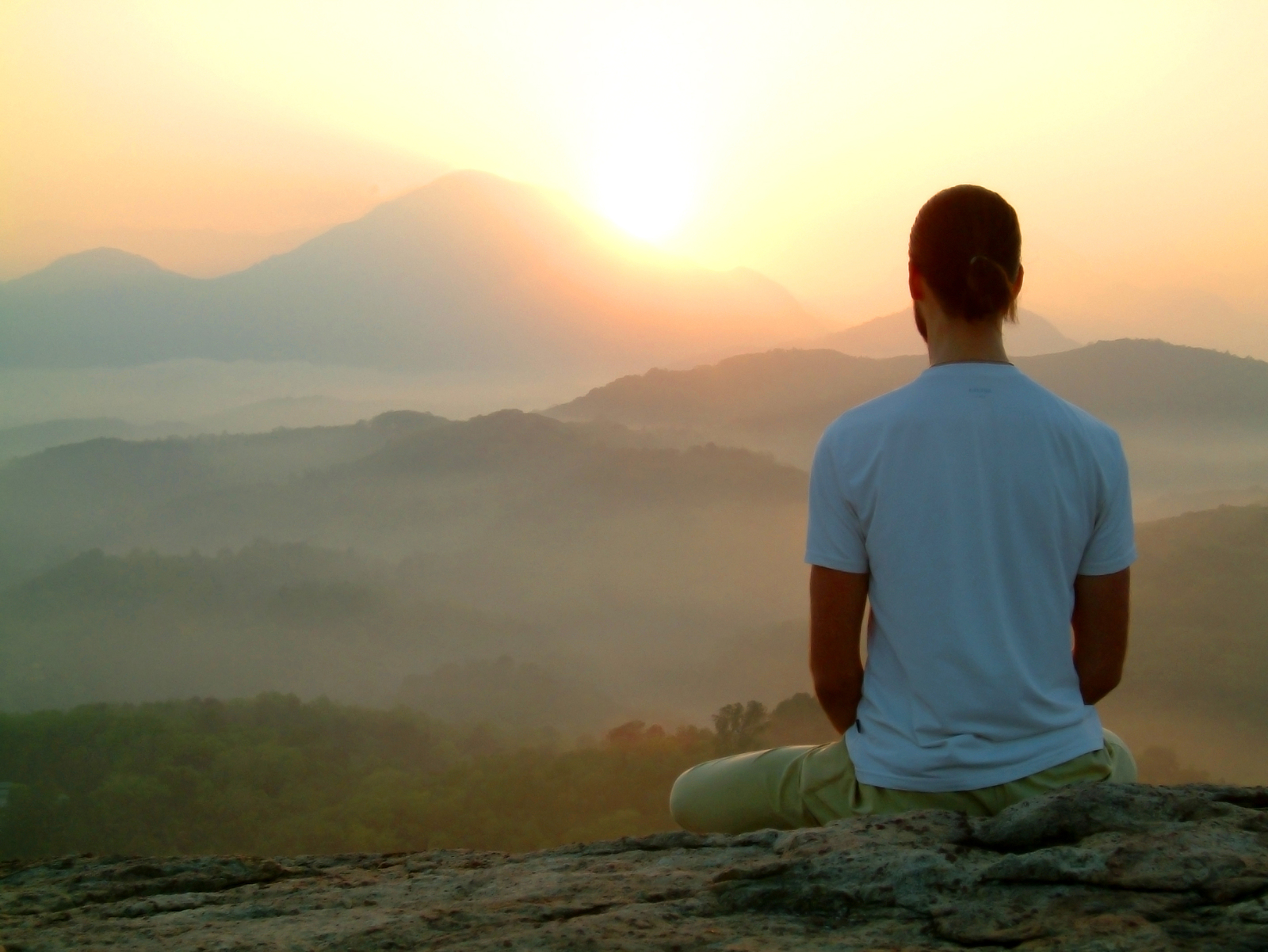 How to Meditate Daily [Infographic]: Making Mindfulness a Daily Habit