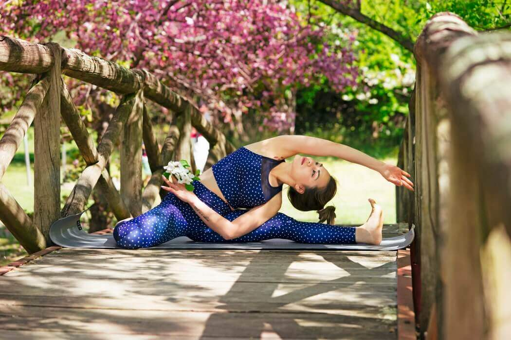 6 Effective Yoga Styles For Beating Anxiety and Depression